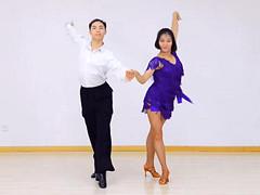 糖豆广场舞课堂《我的爱不能给的这样草率》编舞安安 附正背面口令分解教学演示