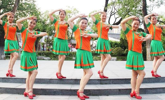 刘荣广场舞《花样爱情》原创舞蹈 附正背面口令分解教学演示