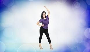 青儿广场舞《别把疼你的人弄丢了》原创健身舞 附正背面口令分解教学演示