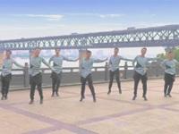 中国男子帅虎队广场舞《嗨歌》原创舞蹈 表演 团队版