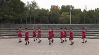 未来路舞出青春艺术团广场舞《相遇是缘》原创舞蹈 团队正背面演示