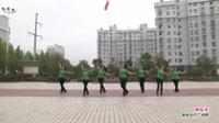 武汉黄陂横店快乐舞蹈队广场舞'《嗨起来》表演 团队版