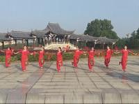 江西奉新蓉蓉梦之美团队广场舞《解放区的天》正背表演 团队版