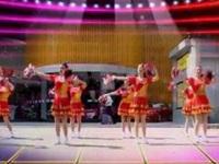 神彩广场舞《坐上高铁去贺州》原创花球舞 团队正背面演示