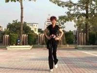 笑春风广场舞《想你的歌》原创鬼步舞入门12步 附口令分解动作教学演示