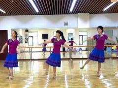太湖一莲广场舞《待嫁的新娘》原创舞蹈 团队正背面演示