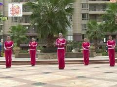 杨丽萍广场舞《水中月亮》原创民族健身操 附正背面口令分解教学演示