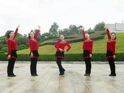 杨丽萍广场舞《爱人情歌》原创舞蹈 简单易学 附正背面口令分解教学演示