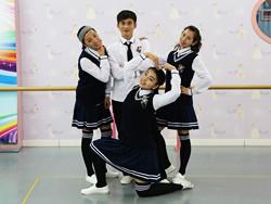 糖豆广场舞课堂《青苹果乐园》编舞萱萱 附正背面口令分解教学演示