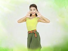 杨丽萍广场舞《马上有人爱》原创健身操 附正背面口令分解教学演示