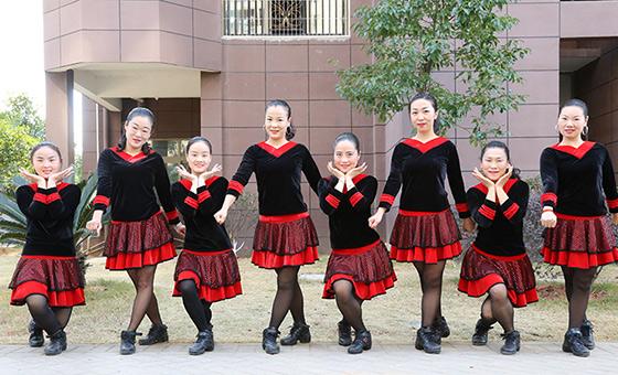 杨丽萍广场舞《花儿朵朵开》原创韵律健身操 附正背面口令分解教学演示