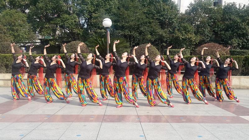 応子广场舞《新达坂城的姑娘》原创舞蹈 附正背面口令分解教学演示