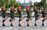 动动广场舞《情歌赛过春江水》原创水兵舞 附正背面口令分解教学演示