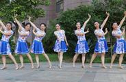 杨丽萍广场舞《今夜的你又在和谁约会》原创大众韵律舞 附正背面口令分解教学演示