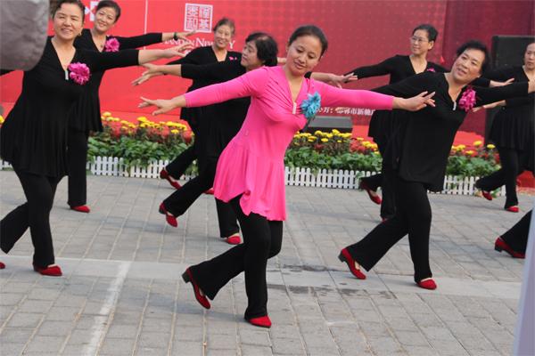 广场舞让全民健身更欢快